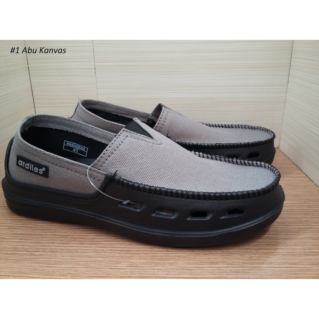 Dr Kevin Men Sneakers Slip On 9307 4 Color Options Abu Army Soft Ampamp Comfortable Grey Merah Hijau Hitam Shopee Indonesia