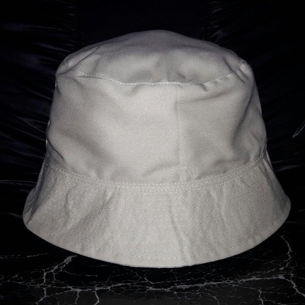 Promo topi bucket hat hitam polos distro bahan dobel bolak balik bulat  6d35555495