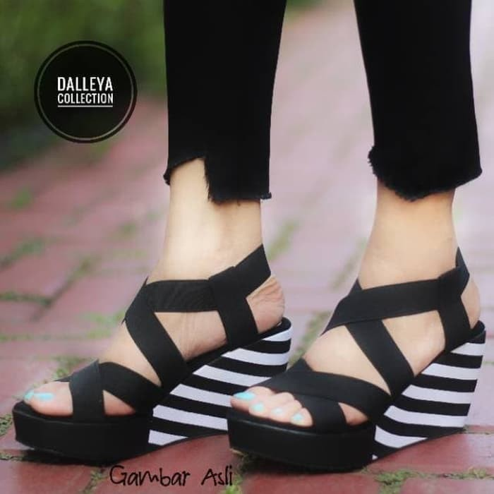 Vahn BELANG Wedges Wanita Casual Santai Pesta Zebra Karet Cream Hitam MR14   Shopee Indonesia