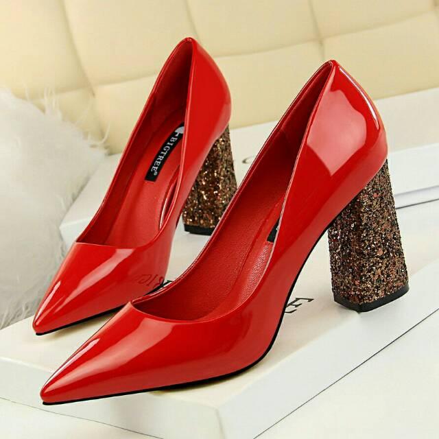 sepatu tinggi - Temukan Harga dan Penawaran Sepatu Hak Online Terbaik - Sepatu  Wanita Februari 2019  8f442f3c4e