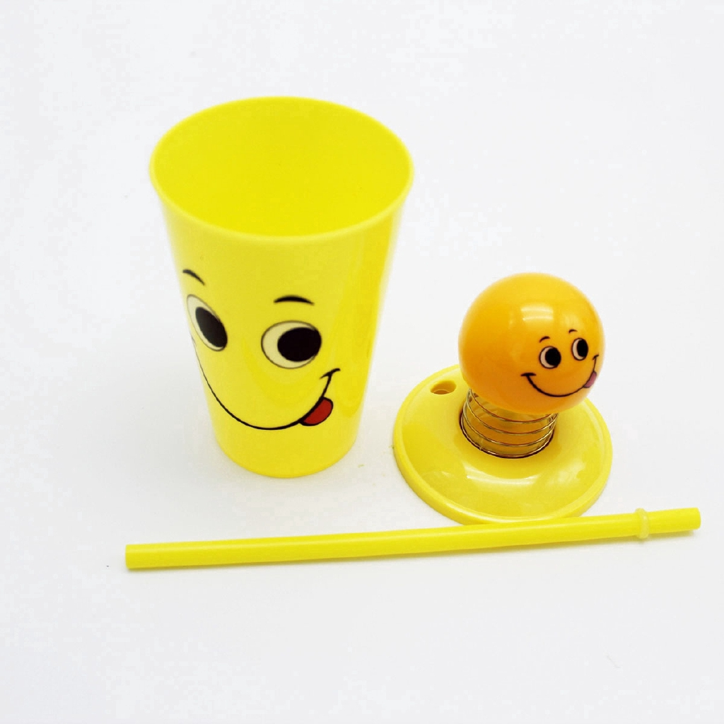 Cangkir Minuman Dengan Gambar Emoji Lucu Dan Ukuran 500ml