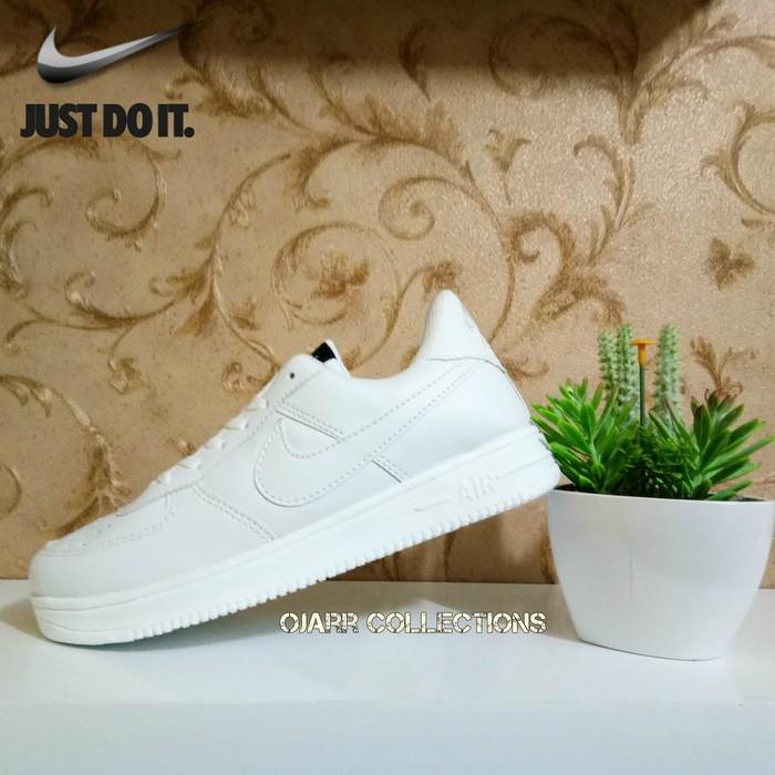 Sepatu Kets Sneakers Nike Airforce Full White Putih Perempuan Wanita  Berkualitas Premium  4a858a6a99