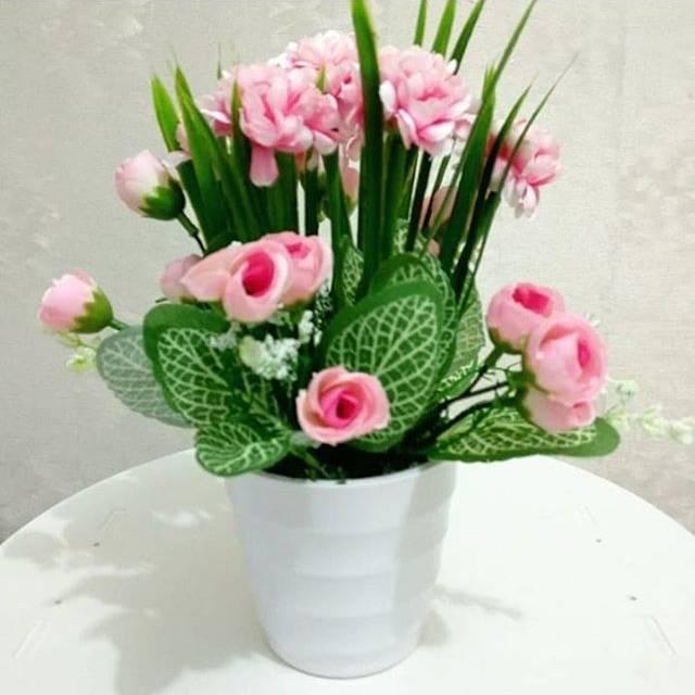 Bunga Meja Rose Kuncup Tile Vas Plastik Bunga Artifisial - Daftar ... 121c870e0e