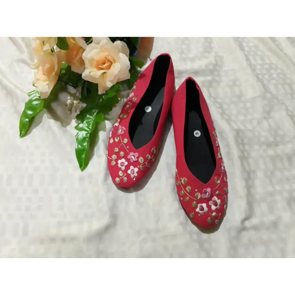 Sepatu Sulam Etnik Merah Bunga Pink Size 36 42 Shopee Indonesia