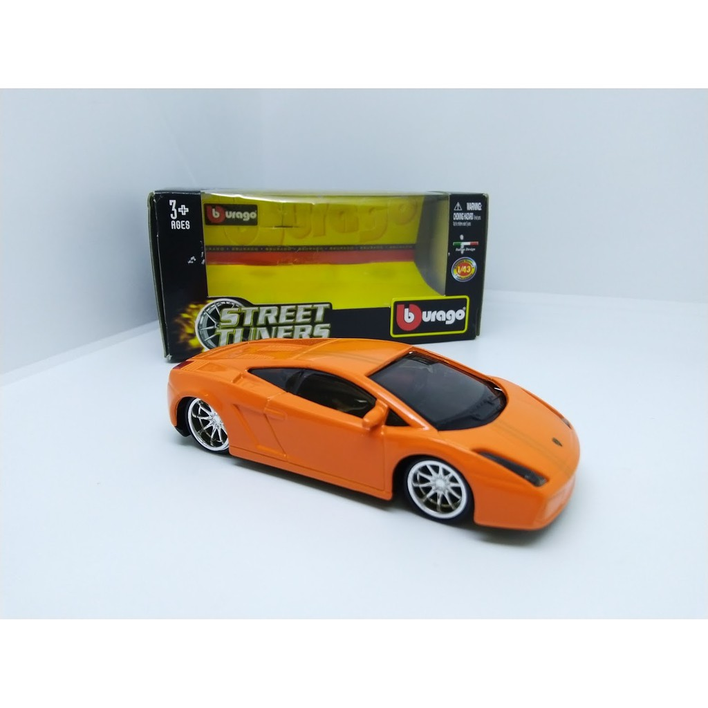 "Bburago 30000 FORD Mustang GT 2006 /""Orange/"" METAL Scala 1:43"