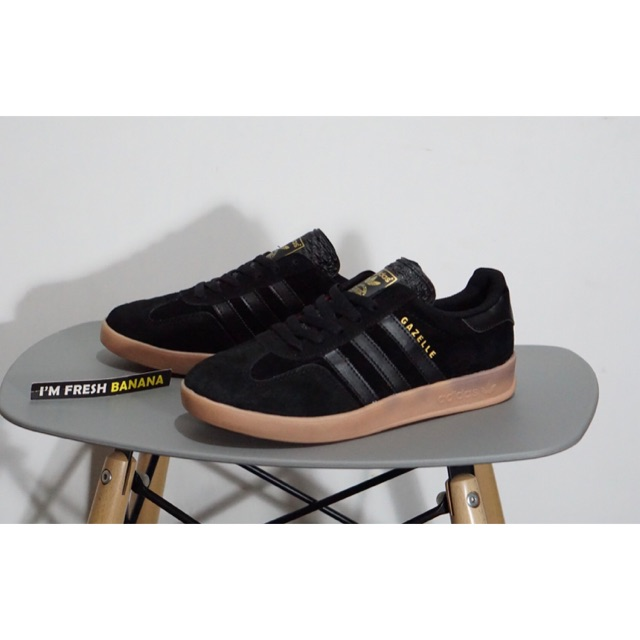 Sepatu Adidas Gazelle Og Classic 2 Indoor Black Rubber Gum Brown