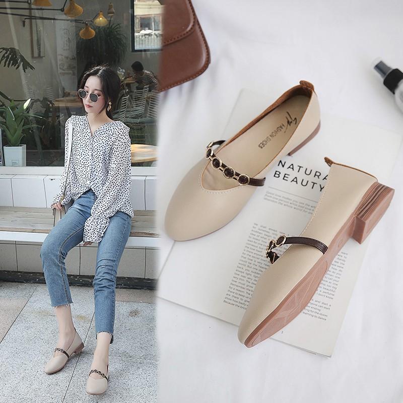Sepatu Flat Balet Pointed Toe Aksen Ring Metal Ala Korea untuk Wanita / Musim Panas  