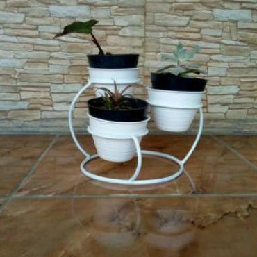 rak bunga hias - rak bunga hias bahan besi tinggi 20-25 cm diameter 18