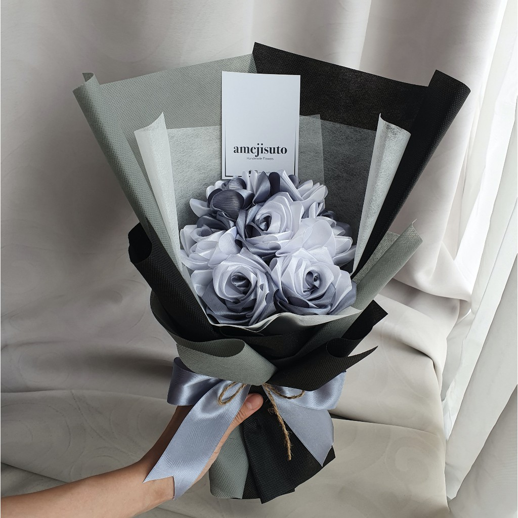 Po2 3hari 7 Roses Buket Bunga Mawar Satin Two Tone Shopee Indonesia