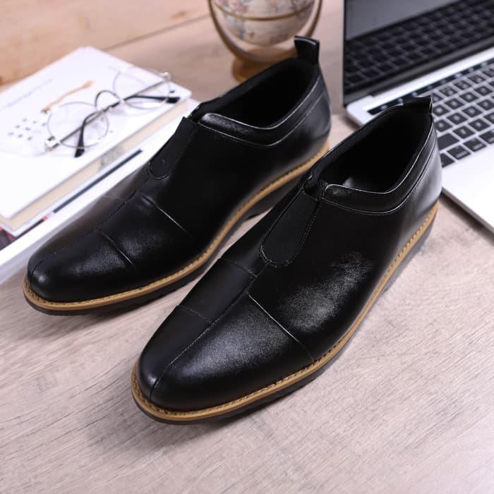 Sepatu Pantofel Pria Fordza Kulit Asli Full Grain Warna Hitam Model Slip On  Formal 2901  7de0ea8220
