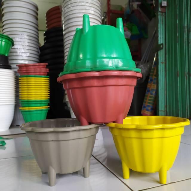 Pot Bunga Plastik Pot Bunga Flamboyan Warna Hitam Ukuran 20 Shopee Indonesia