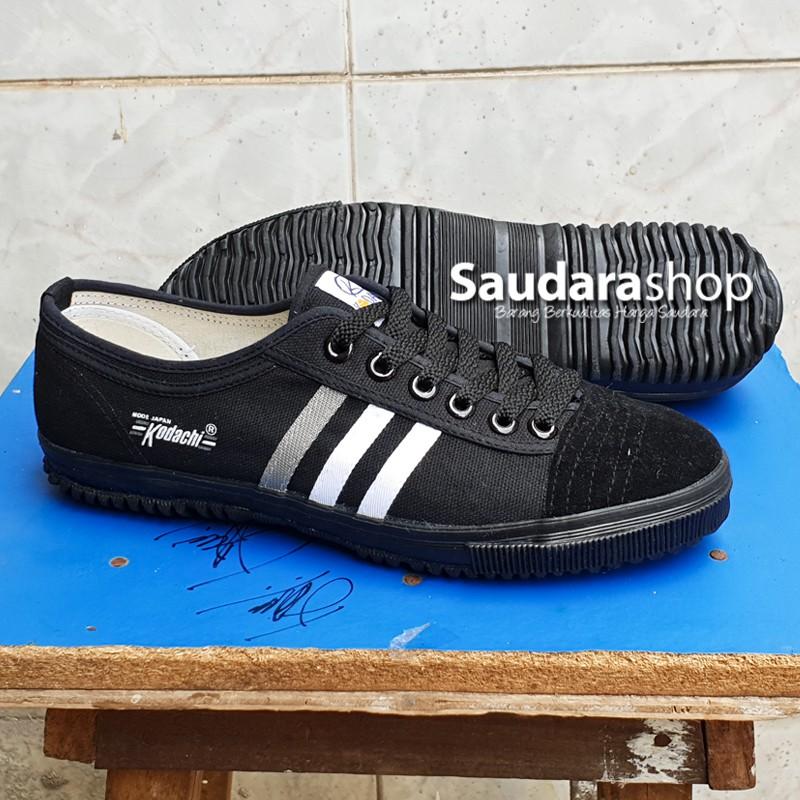 Sepatu Basket Nike Air Versitile II 55e6c9b318