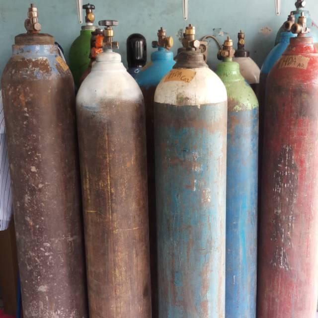 Tabung gas oksigen besar