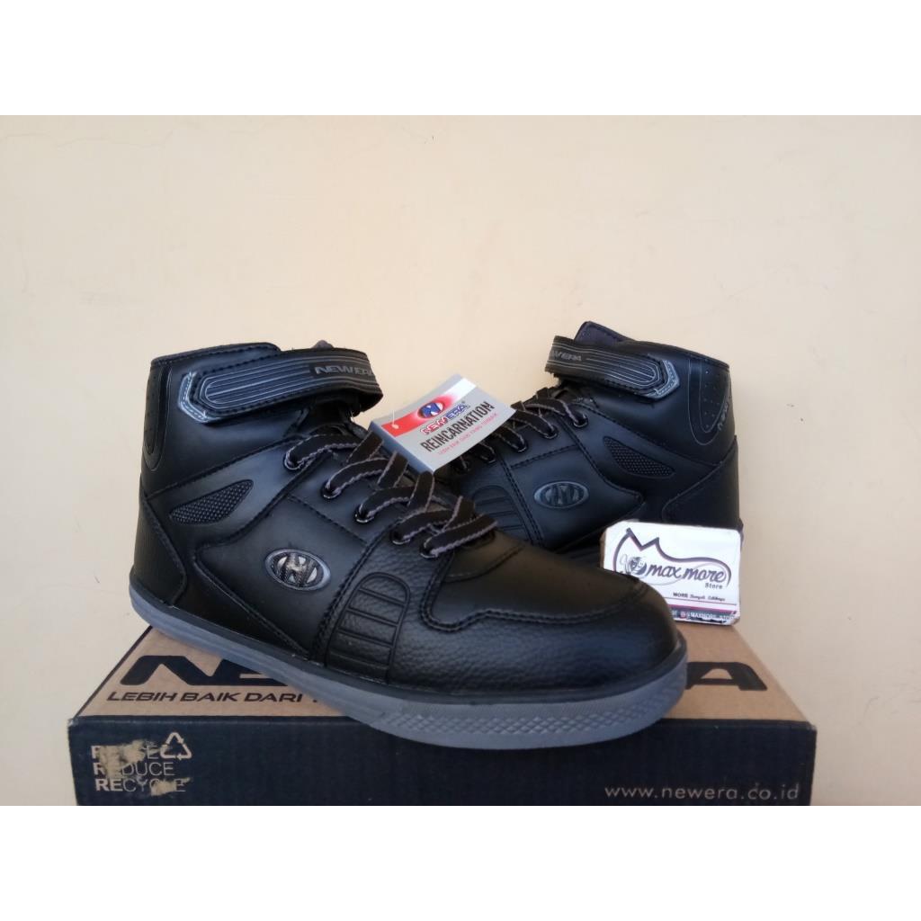 Sepatu Sneakers Olahraga Pria New Era King Black  06f6907b6f
