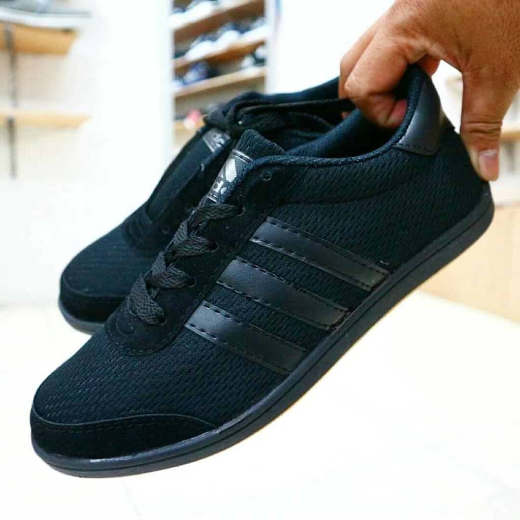 Dr Kevin Mens Sneakers 13341 2 Color Options Black Blue Men 13355 Navy 41 Shopee Indonesia