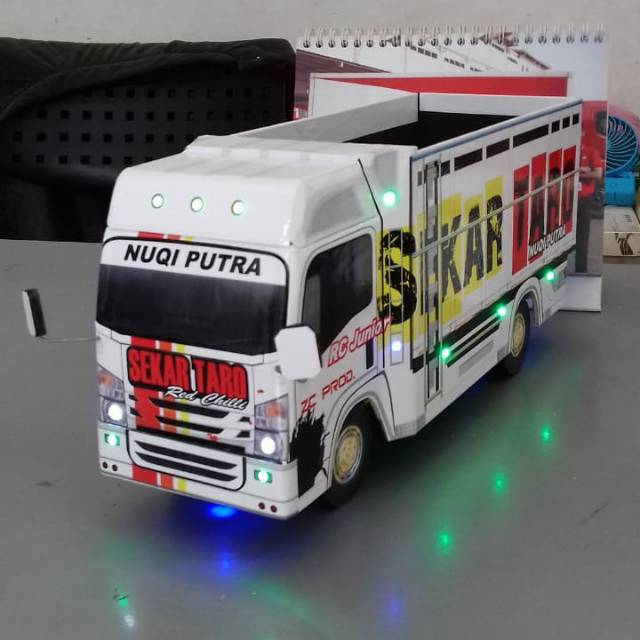 Miniatur Truk Skala Besar 1 18 Shopee Indonesia