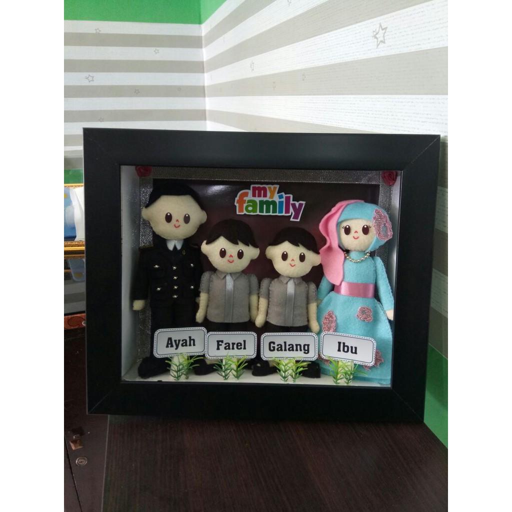 Boneka Family (Keluarga) Kemasan Frame 3D  1f7837d5f7
