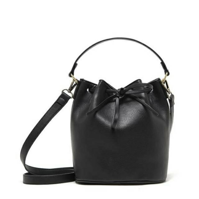 Tas Slempang PULL   BEAR XENA Sling Bag - Tas Selempang - Tas Branded - Tas  Import  aa5e0160b4