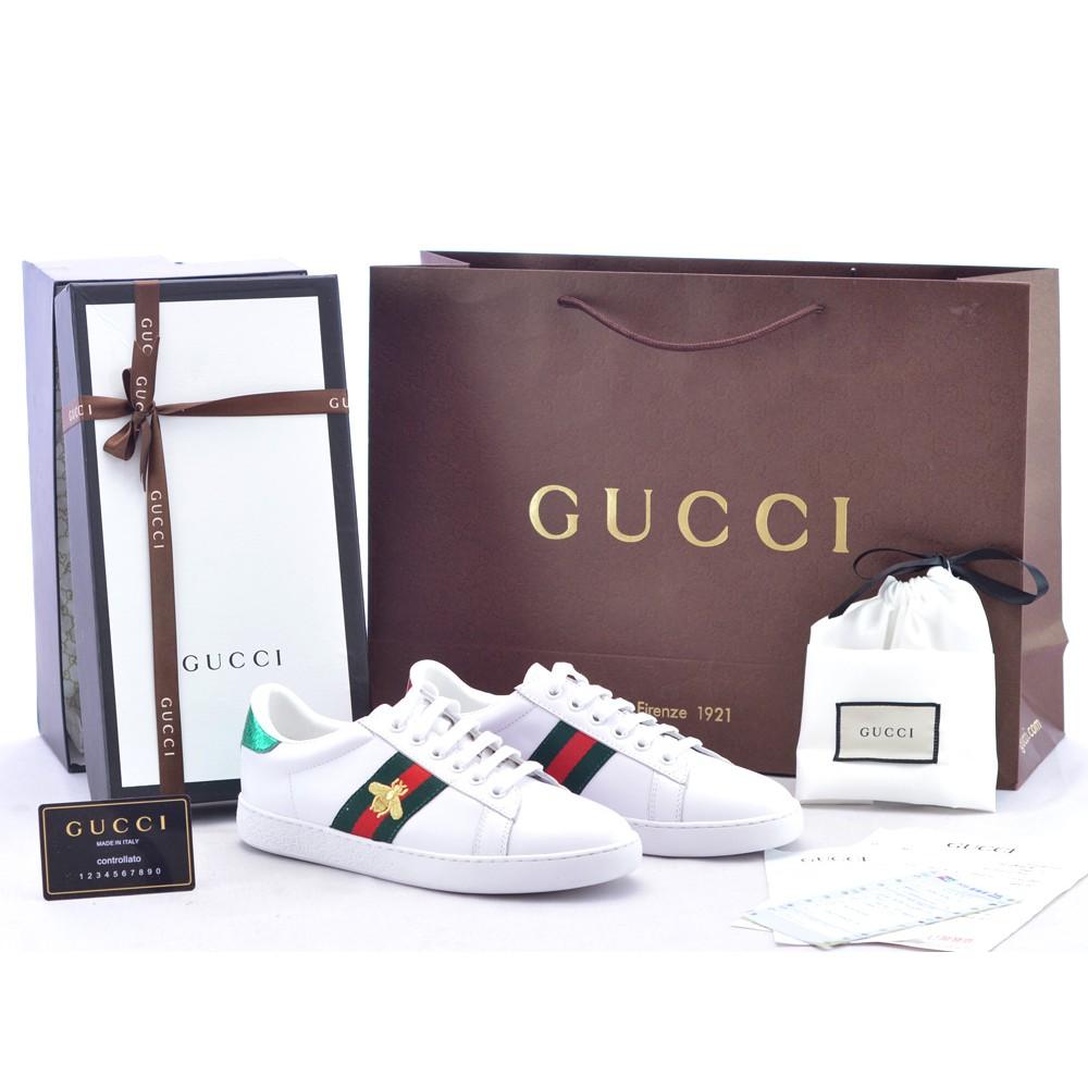 Sepatu Wanita Pria Gucci Sneaker Ace Embroidered Leather Bee Putih