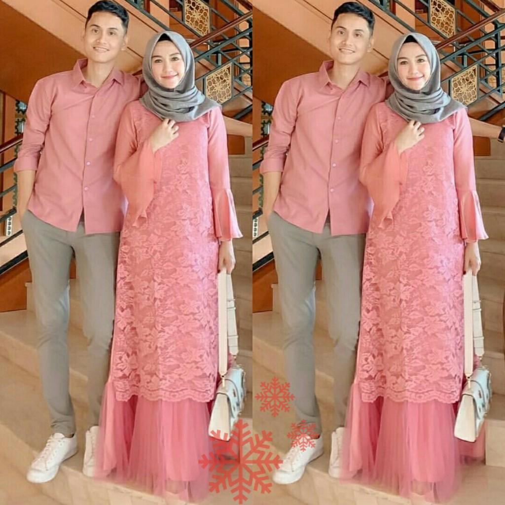 96 Gaya Baju Couple Warna Peach Terbaru