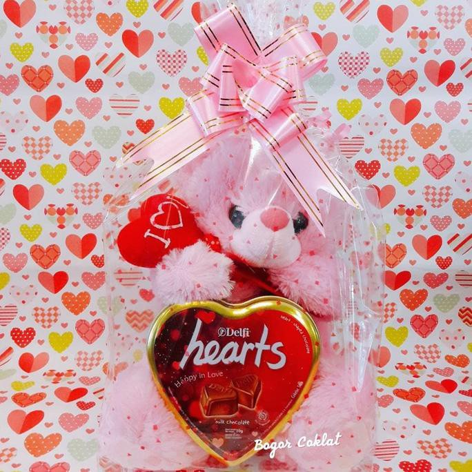 Parsel Valentine Kecil Boneka Doraemon Coklat Valentine Bunga 8ed83af83e
