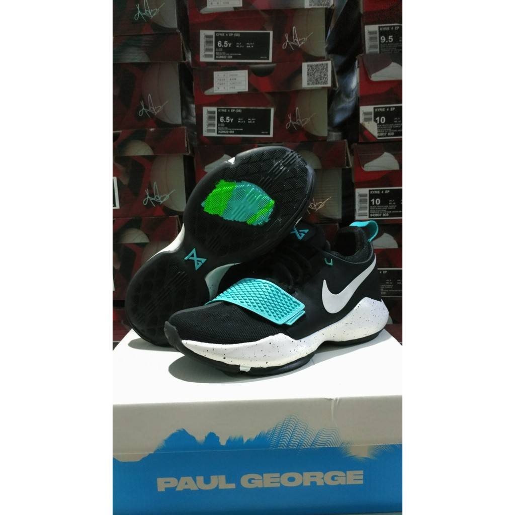 3f54138c036f FREE SHOES BAG  Sepatu Basket Nike PG1 (Paul George) Low Ferocity ...