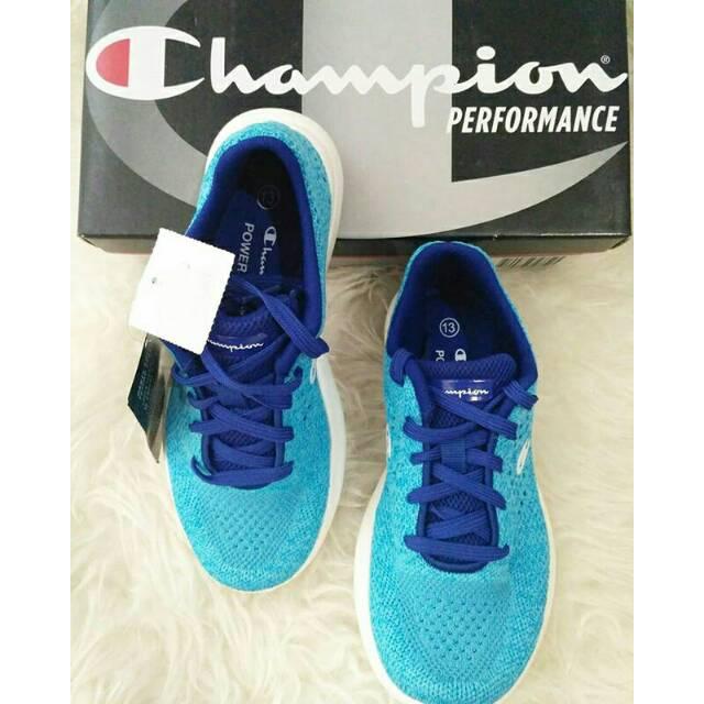 8ce8c960ff75f Sepatu kets champion