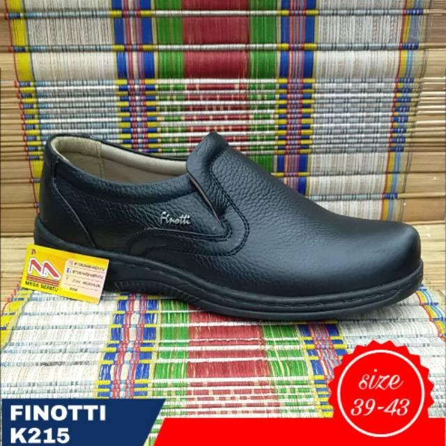 Sepatu formal pria. Finotti K215