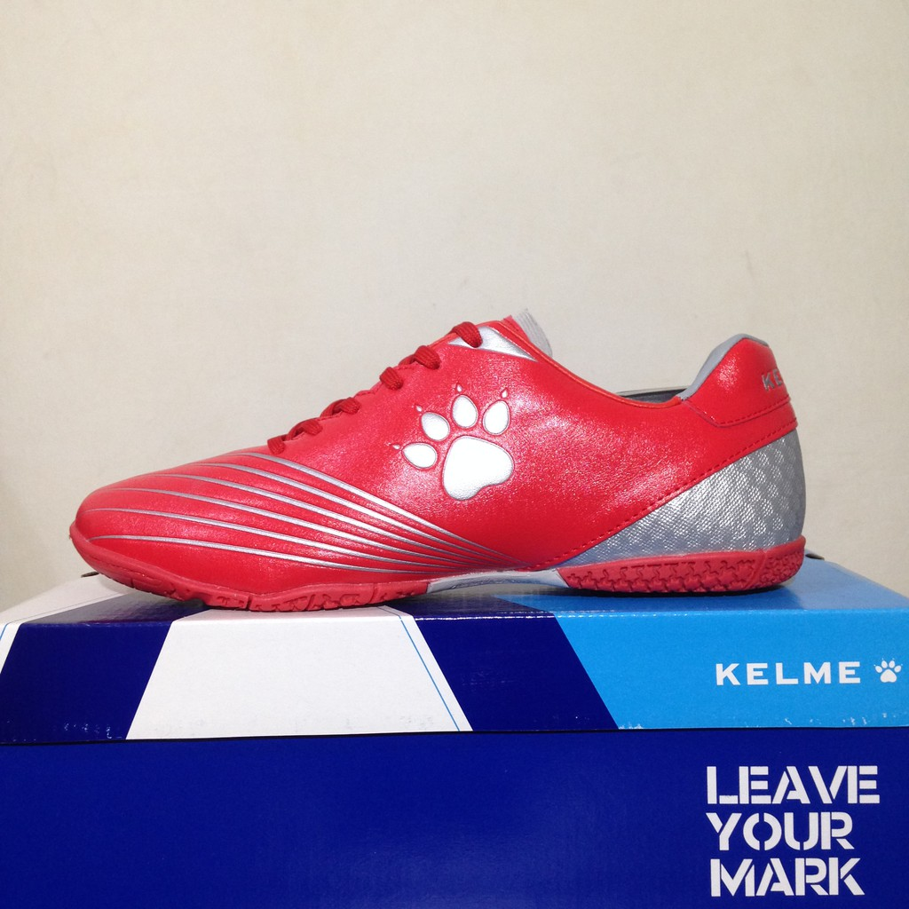 Sepatu Futsal Kelme Infinite Indoor Red White 1116130 Original BNIB. Ke Toko cadb1c56ae