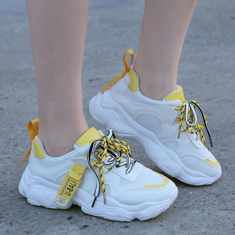 Sepatu Olahraga Wanita Terbaru 2020 Warna Putih Versi Korea