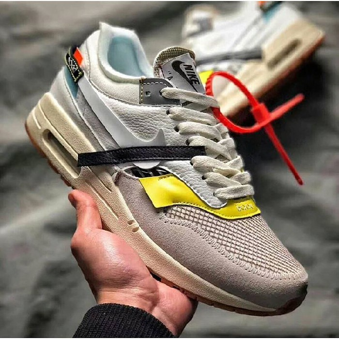 Sepatu Sneakers Desain Nike Air Max 1 Off White Warna Putih untuk Unisex