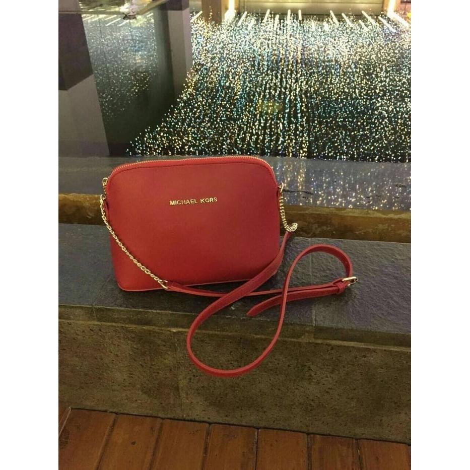84f3100a3281 Tas Selempang Dada/ Waist Bag Import Fashion Wanita 8110 - Hitam | Shopee  Indonesia