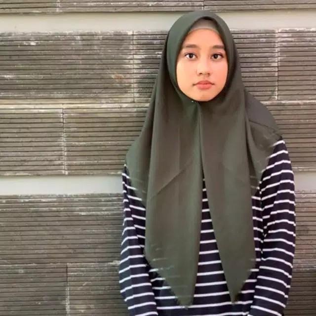Jilbab Saudia Hijab Segi Empat Kerudung Rawis Voal Square Grosir Hijau Army Premium Quality Shopee Indonesia