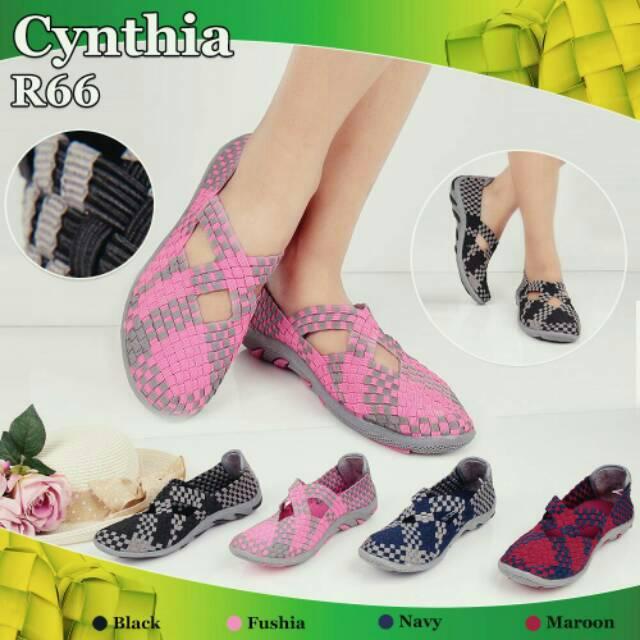 Sepatu rajut ayaman Cynthia .