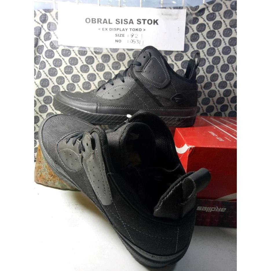 Tempat Jual Ardiles Men Cooldots Sandal Gunung Biru 42 Terbaru 2018 Merah 38 Sepatu Sekolah Hitam Amazone Jamaika Shopee Indonesia