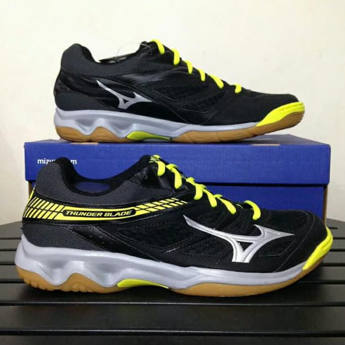 Sepatu Volly Voli Mizuno V1GA187586 Thunder Blade Mid Black Silver Chi ..  73d8a4ab0b
