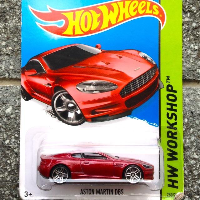 Hotwheels Aston Martin Dbs Merah Workshop Diecast New Model Cars Termurah Obral Promo Sale Toy 1 64 Shopee Indonesia