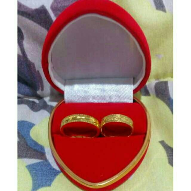 Kotak Box Cincin Couple Bentuk Love List Warna Emas Shopee Indonesia