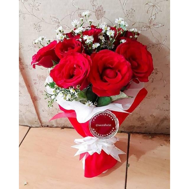 Buket Bunga Mawar Merah Bunga Wisuda Shopee Indonesia