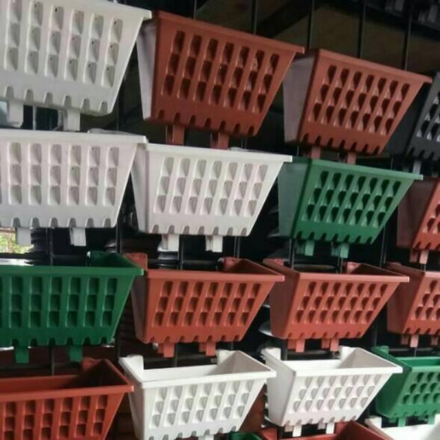 Pot Bunga Tanaman Rambat Pagar Argo Hitam Coklat Putih Square Plastik  Minimalis Shabby Vintage Hias | Shopee Indonesia