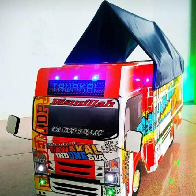 "Miniatur truk dr bahan kayu triplek.bisa desain suka"" nama ..."