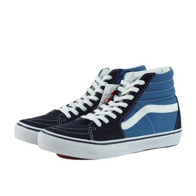 navy blue low top vans
