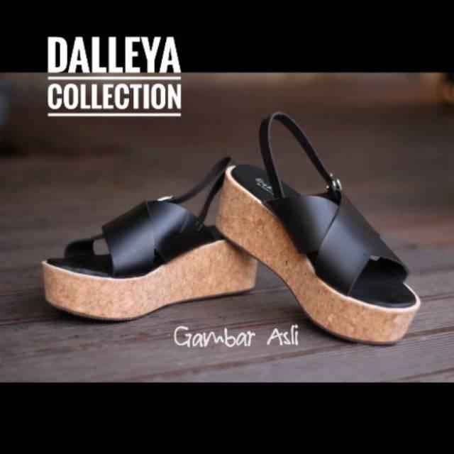 e8e7288cacf1 Lilyshoes COLOMBO -real pict Dalleya Wedges sandal wanita selop casual  simple Silang trendy santai