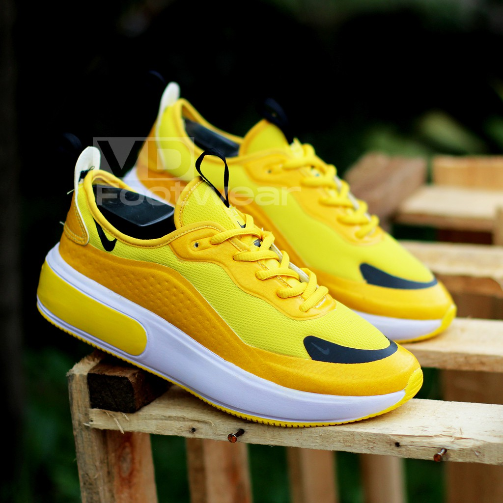 vD - Sepatu Kest Sneakers Wanita Nike Huarache Import Murah