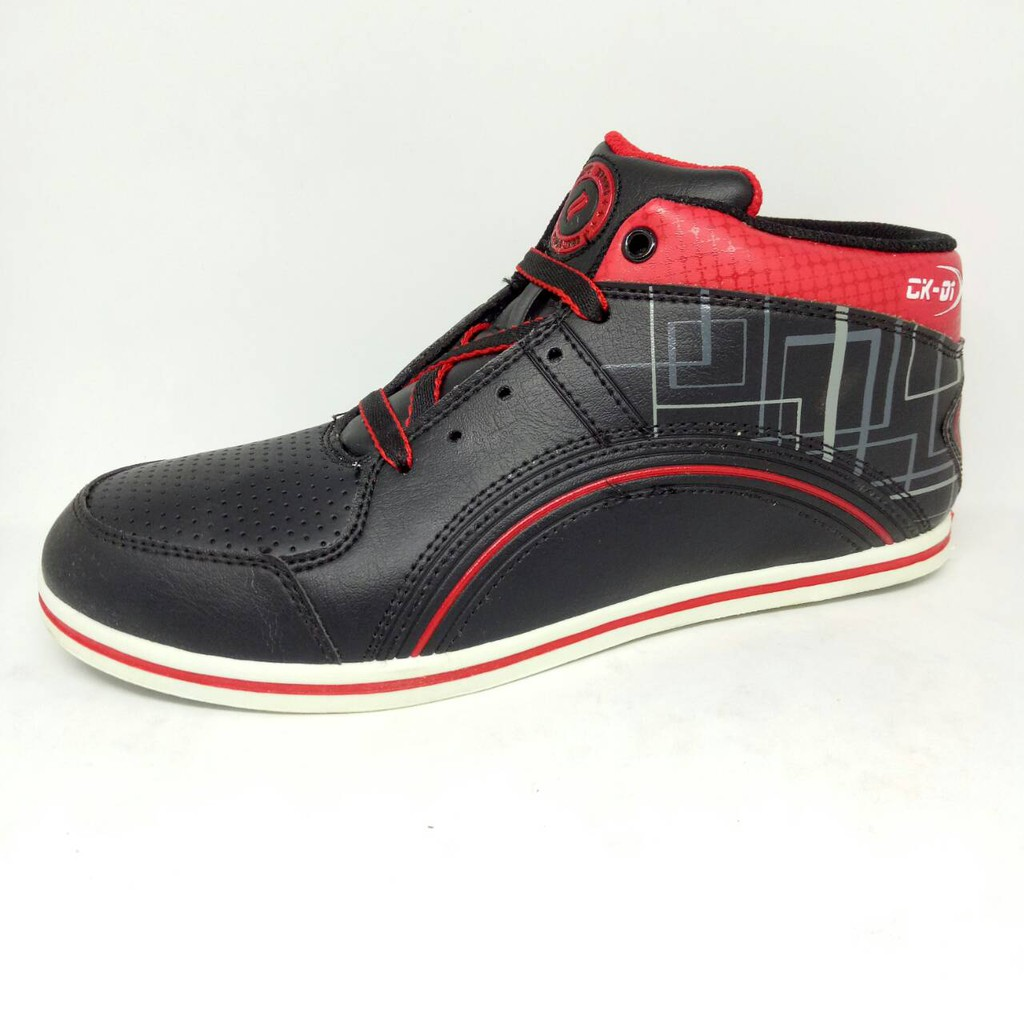 CK-01 Finotti Sepatu Pria bergaya