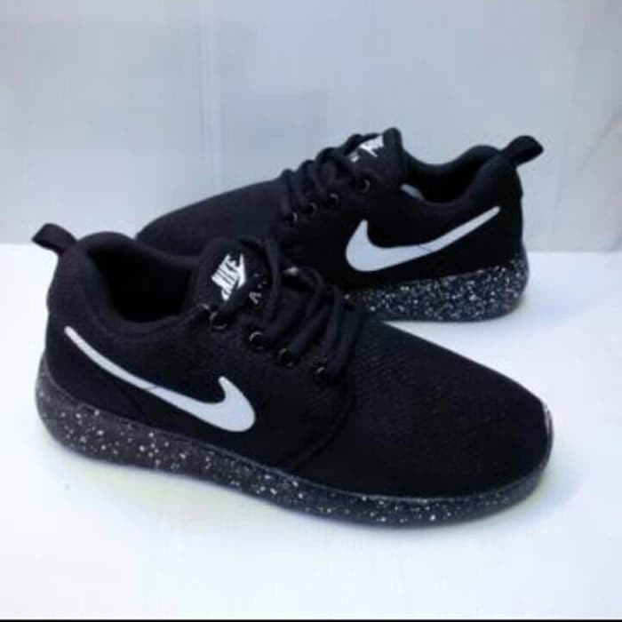 Dapatkan Harga sepatu nike Diskon  0374185a34