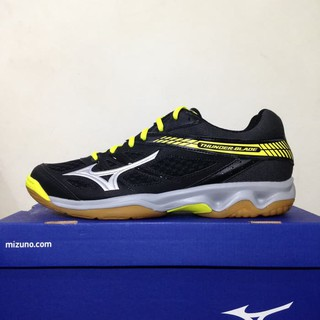sepatu olahraga futsal   putsal   footsal Volley Mizuno Thunder Blade Black  Silver Flash V1GA177005 9be4cb503a