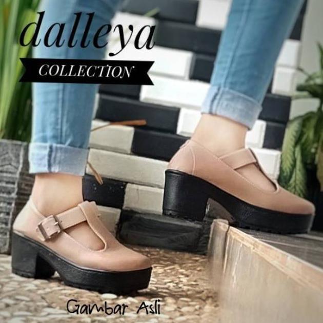 Dalleya FUTURA - sepatu heeled Boots dockmart simple casual wanita kets  tali  64a0fd255b
