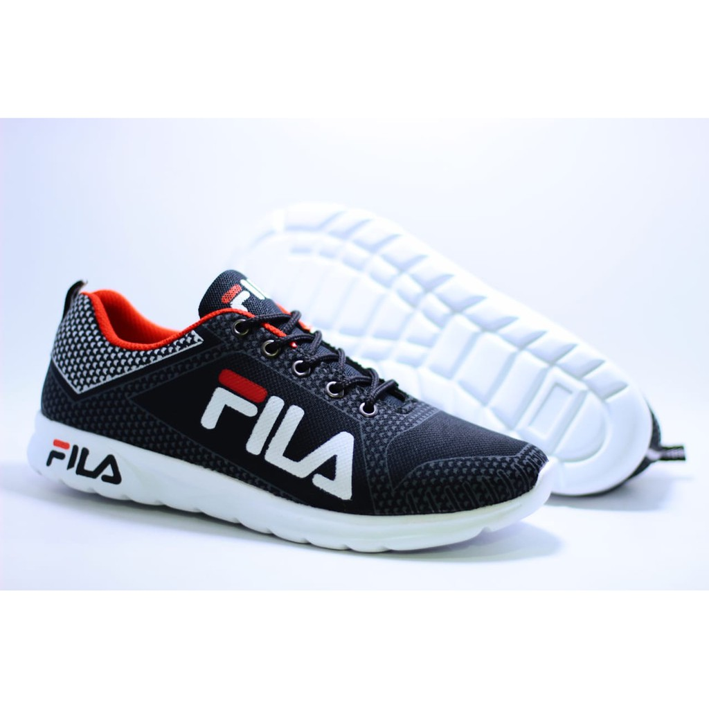 Sepatu Fila Sneakers Kasual Pria Sz 39 44 Made In Vietnam Grade Original Shopee Indonesia