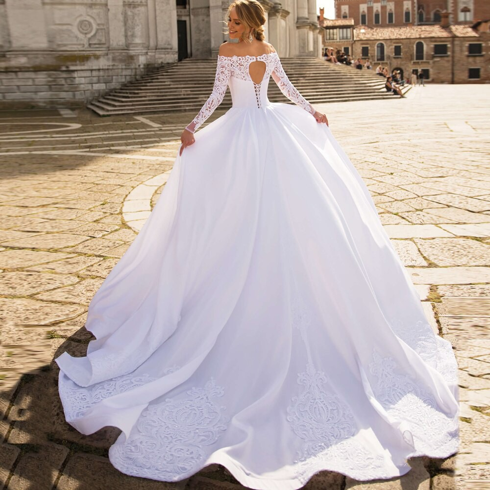 Exquisite Satin Ball Gown Wedding Dress 2020 Long Sleeves Boat Neck Applique Wedding Dresses Shopee Indonesia